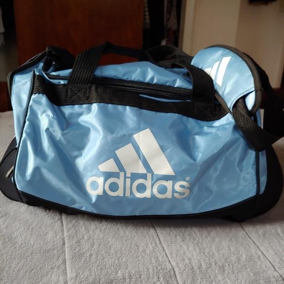 e43eb4f84 EUC Adidas travel bag. adidas. M_5cc268b4969d1fa1966b2d7e.  M_5cc268bcabe1ce30802729c2. M_5cc268c5bbf076c6c5871878.  M_5cc268cb1153ba6b88d5baf6